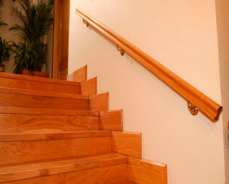 Escaleras barandillas y pasamanos fusteria berruezo - Pasamanos de madera modernos ...
